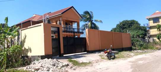4bed house all ensuet for sale at kigamboni kibada image 3