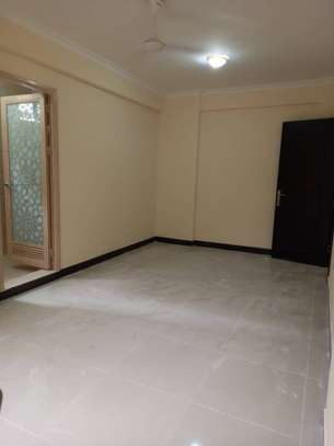 SPECIOUS 3 BEDROOMS SEMI FURNISHED FOR SALE AT KARIAKOO image 8