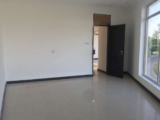 one bedrm,sitting room and kitchen ( MASAKI) for rent image 6