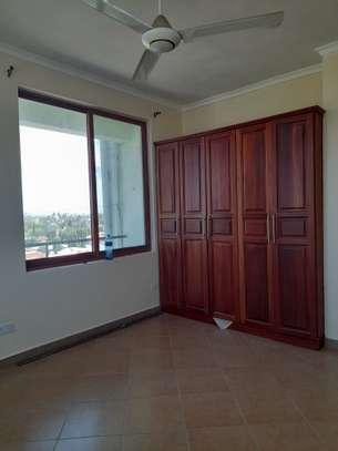 2 bedroom Apartment with Nice view in Makumbusho image 5