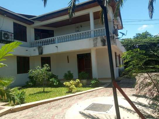 4bed  fully furnishedhouse at mbezi beach $1800pm image 5