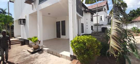 4 Bedrooms House For Rent in Masaki with a Pool image 2