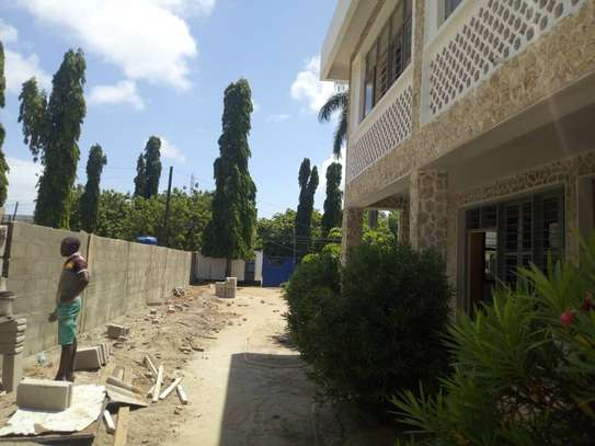 big house  8 bed room house for rent at mikocheni image 9