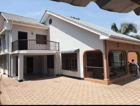 4BEDROOMS HOUSE IN SAKINA-ARUSHA image 1