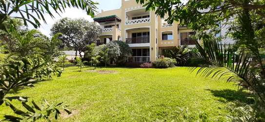 3 Bedroom Spacious Apartment For  Re t in Oysterbay image 2