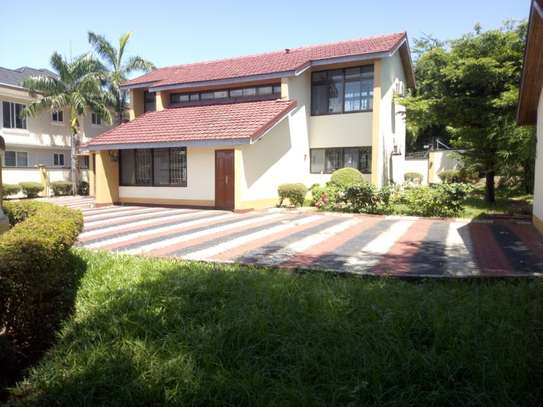3bed room house masaki $2000pm image 1