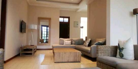 VILLAS FOR RENT AT BAHARI BEACH image 5