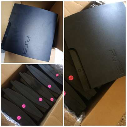 PS3 SLIM 99% NEW...COMPLETE PACKAGE 330,000