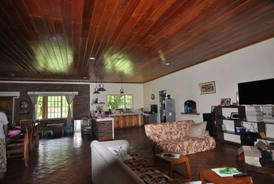 3 bed room house in 5acre for sale at usa river arusha $550000 image 3