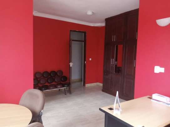 4bed apartment  3bed ensuet available image 10