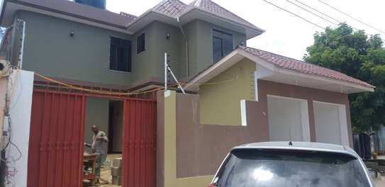 House for rent Mwananyamala-Msaada garage image 1