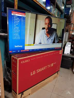 "LG 43"" SMART TV FULL HD"