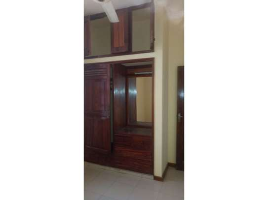 3bed house in the compound along main rd mwaikibaki mikocheni b image 4