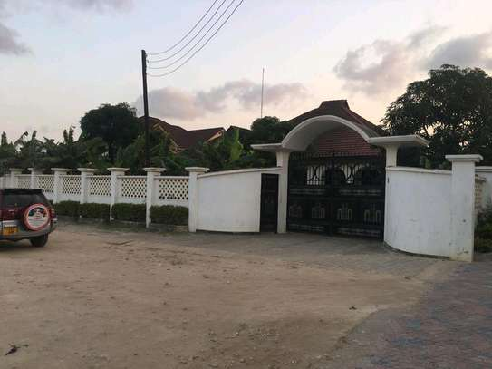 5 Bdrm House in Mbezi Beach Shoppers