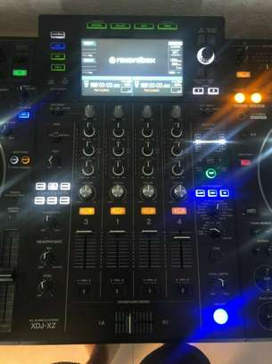 Pioneer DJ XDJ-XZ All In One DJ System - Black image 3