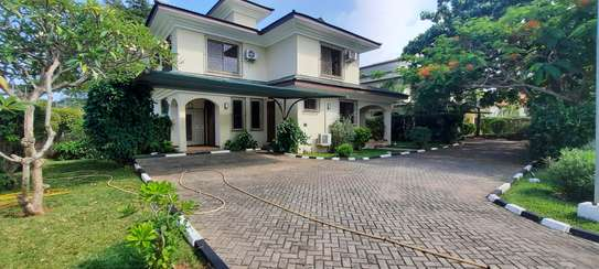 a fully furnished villas at masaki very cool MP street are for rent now image 3
