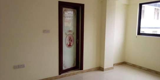 SPECIOUS 3 BEDROOMS SEMI FURNISHED FOR SALE AT KARIAKOO image 10