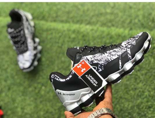 Under armor sneakers image 1