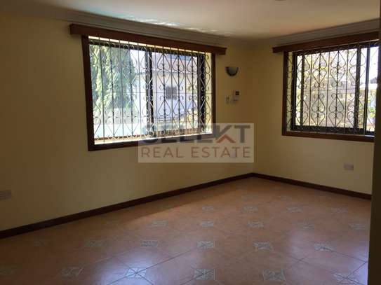 4 Bdrm Standalone Spacious House in Masaki image 7