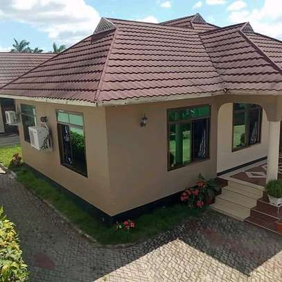5 Bedrooms House tabata kinyerezi