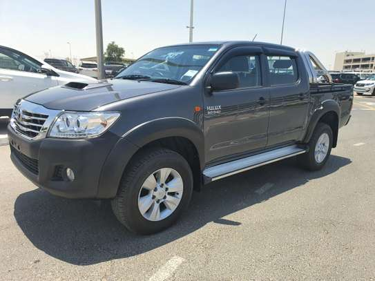 2014 Toyota Hilux image 3