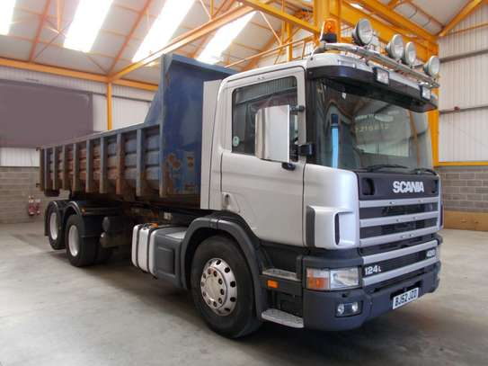 2002 Scania 124 420 6X2 TIPPER/HOOK LOADER TSHS 89MILLION ON THE ROAD