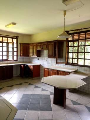 NICE 5BEDROOMS HOUSE IN NJIRO-PPF. image 11