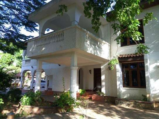 6 Bedrooms House at Msasani image 7