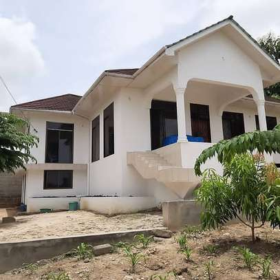 3 bed room house for sale 150mil at goba with sqm areas 2000 image 1