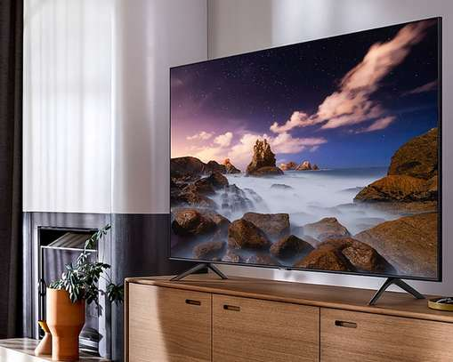 SamSUNG 65 QLED QUANTUM DOT 65Q60R SMART 4K TV image 1