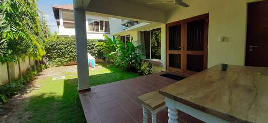 Beautiful Quality Home In Oysterbay For Rent image 2