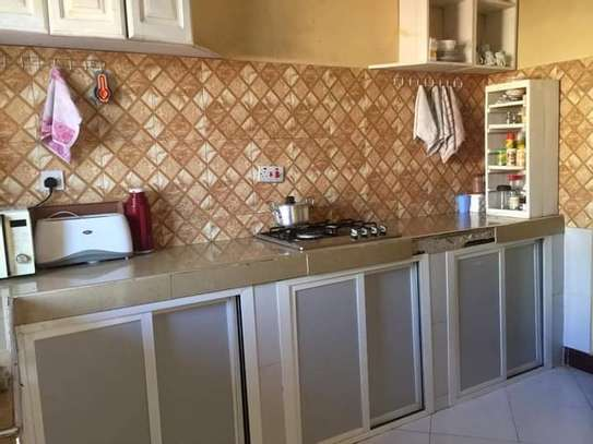 5 bed room house with  servant quorter for sale at ununio image 2