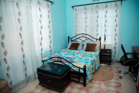 Stylish and cozy 3 bedroom apartment in Arusha image 4