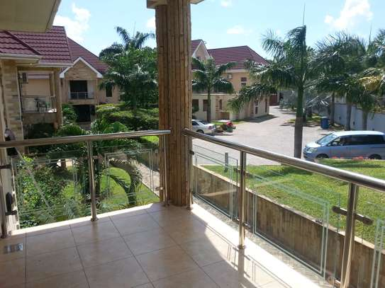 4 bedrooms Villa in Gated Compound In Oysterbay For Rent image 7
