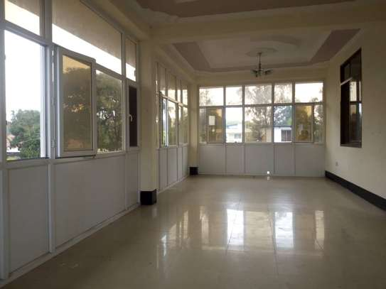 5 bed room big house for rent mikocheni image 5