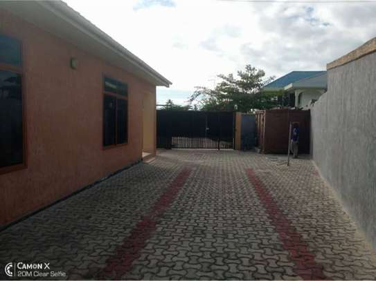 3bed house at mikocheni 1000000 image 6