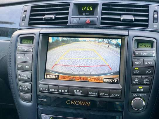2006 Toyota Crown image 4