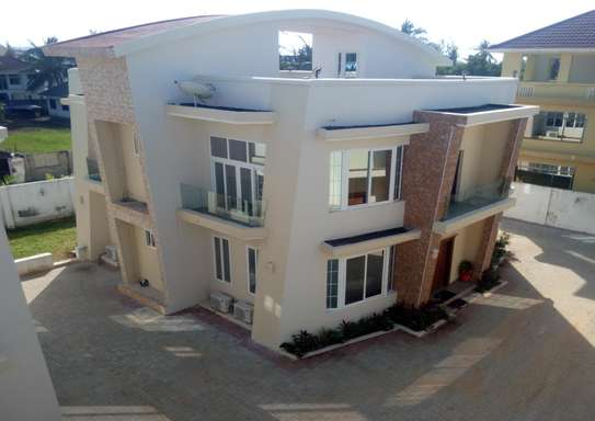 4 Bedrooms Apartment at Mbezi Beach