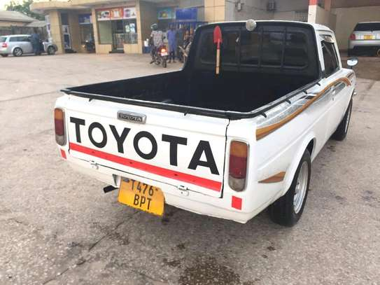 1992 Toyota Pick Up image 4