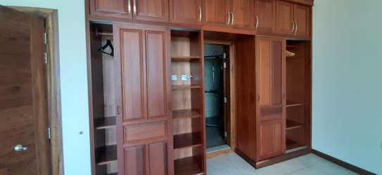 3 Bedroom Beautiful Apartment For  Rent in Msasani image 5