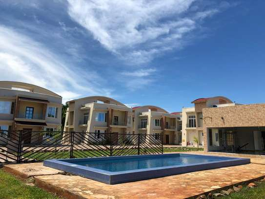4 bed room house villa for rent at mbezi beach image 1