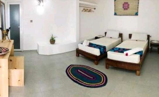 Beautiful Hotel Lodge for Rent; image 6