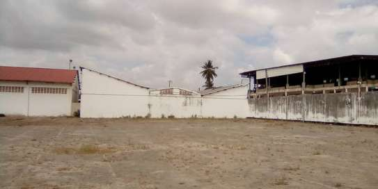 yard industrial areas sqm 700, acre 5 for sale at kiwalani image 8