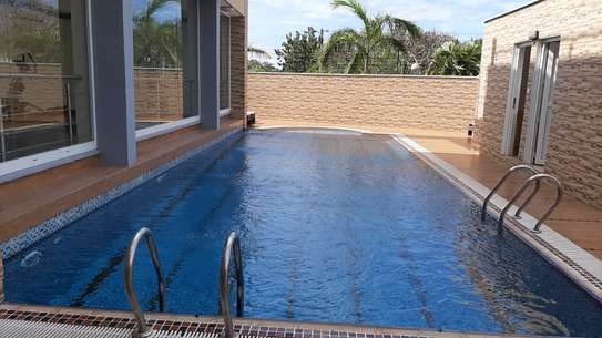 3 Bedrooms 3 Bathrooms Townhouse For Rent In Oysterbay image 3