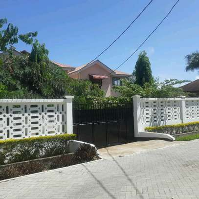 villas are for rent at mbezi beach cool neighbour hood with high security image 2