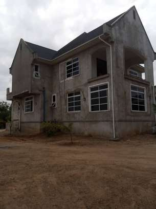 Unfinished House for sale -Goba center (via Auction)