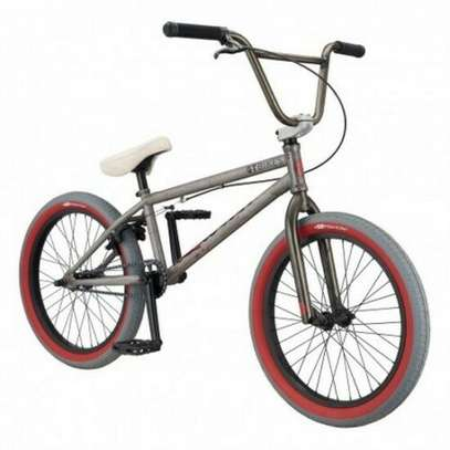 BMX GT BICYCLES PERFORMER 20,5 '' silver pivotal saddle NEW