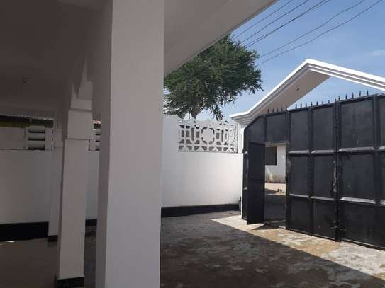 5Bdrm House in Ubungo