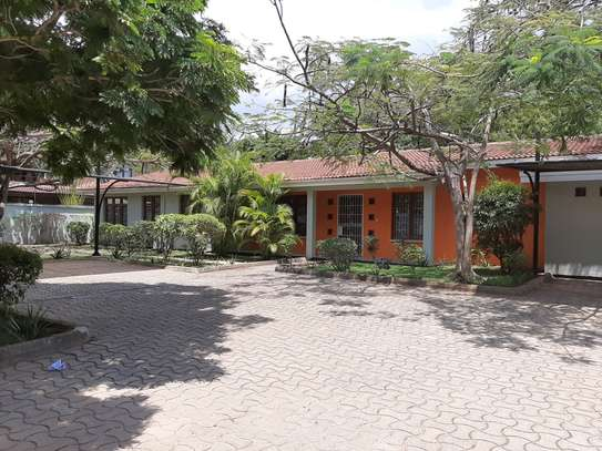 4 Bedrooms Stand Alone House For Rent In Masaki image 15
