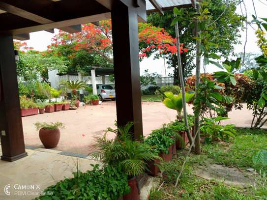 3bed house for sale at toure drive 1125sqm plot size facing the sea $2,5milion image 11